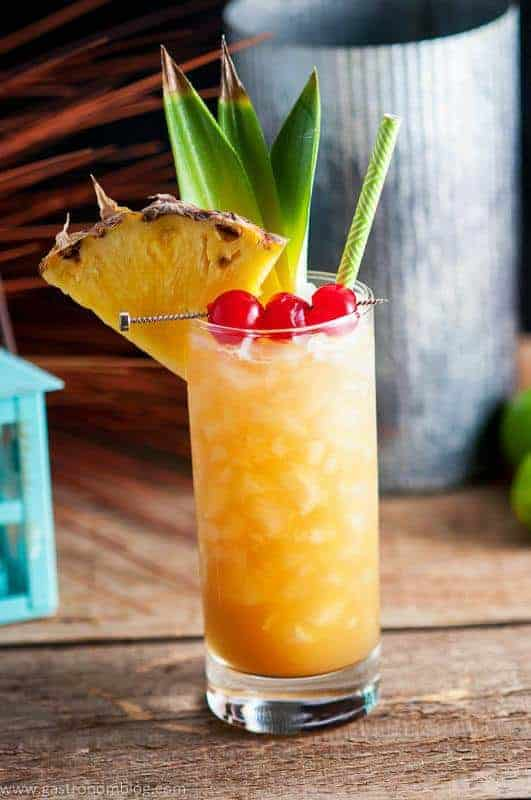Fall in Paradise Cocktail - Summertime Sweet Alcoholic Drinks