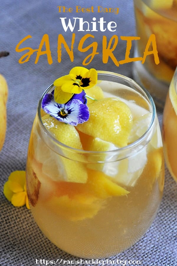 This White Sangria Recipe is easy, tasty, and great for hot Summer days. #sangria #whitesangria #easy #drinks #easy
